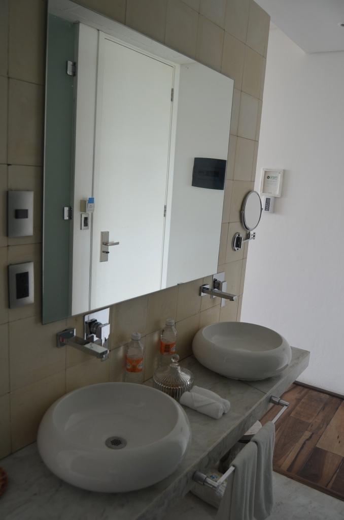 Bathrooms at Be Playa