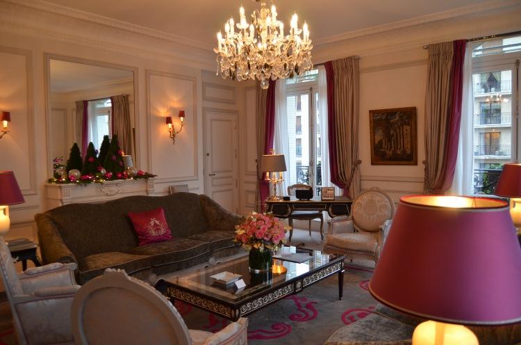 Suite details at Hôtel Plaza Athénée