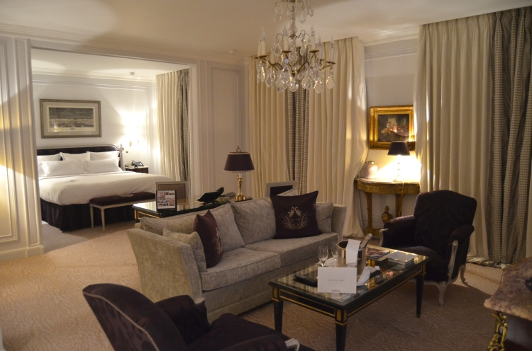 The junior suite at Hôtel Plaza Athénée