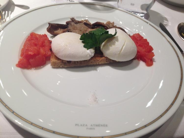 Breakfast at at Hôtel Plaza Athénée